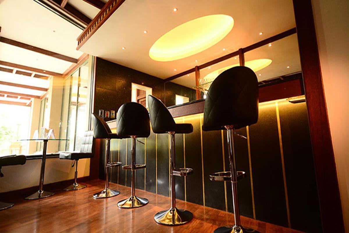 Earl's Regent Kandy – Bar