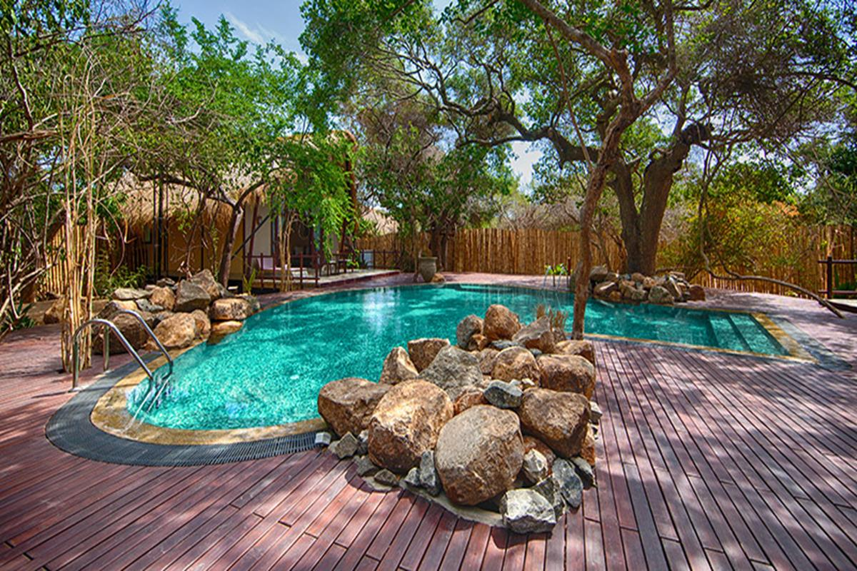 Jungle Beach Resort – Basen