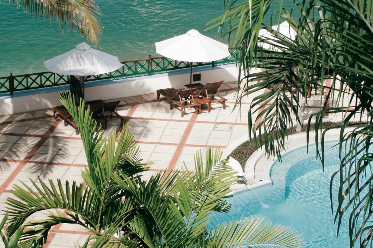 Serena Hotel – Basen
