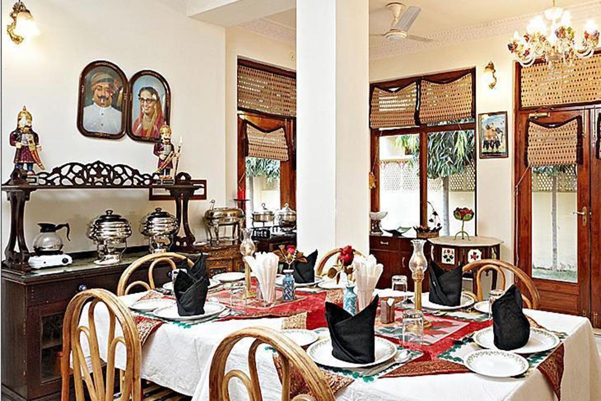 Dera Rawatsar – Restauracja