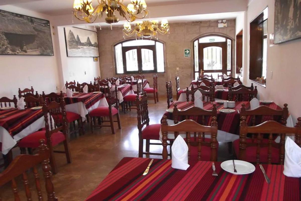 Hacienda Plaza de Armas – Restauracja