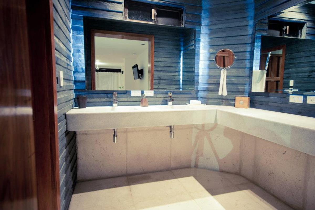 Hotel Na Balam – OPartial Ocean View Suite