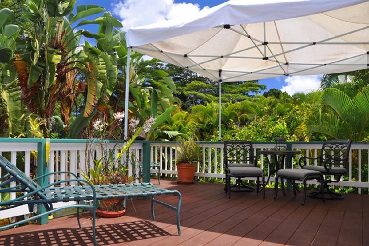 Kauai Country Inn – Green Rose Suite