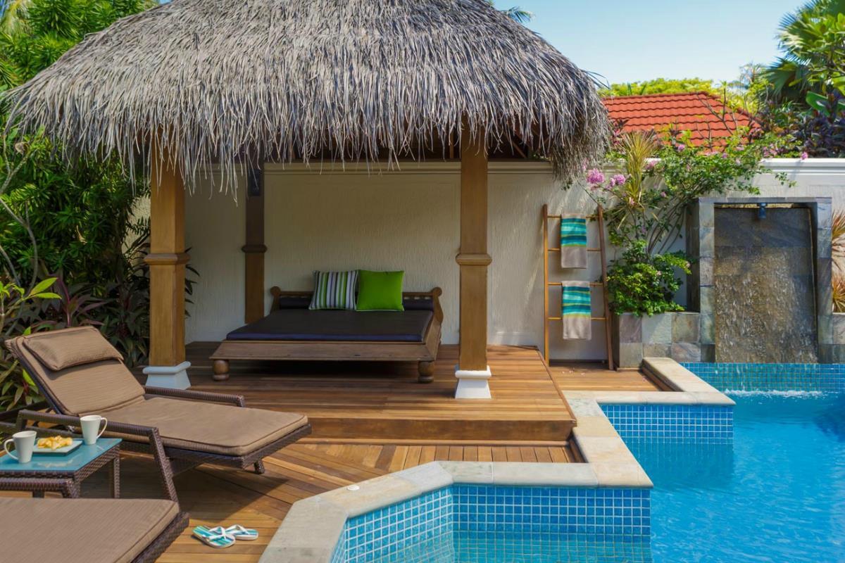 Kurumba Maldives – Willa Deluxe z basenem