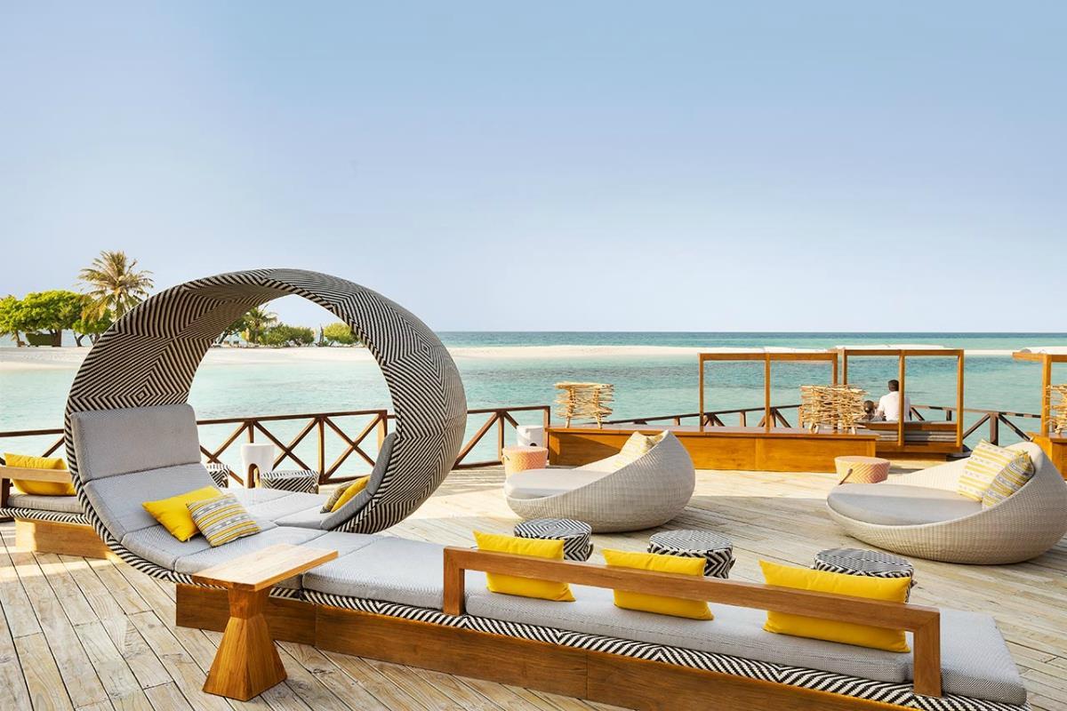 LUX Maldives – East Bar