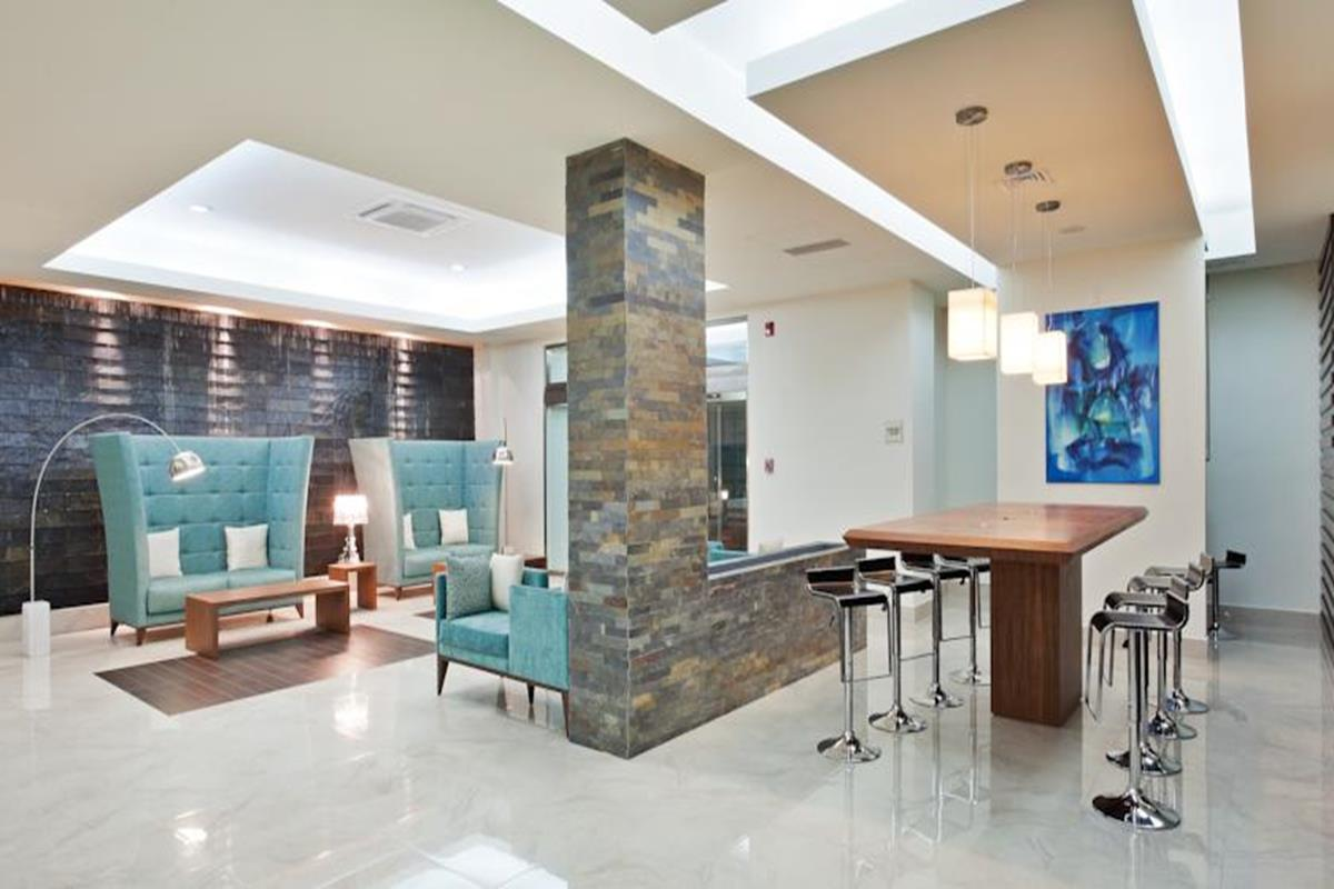 Wyndham Garden Cancun Downtown – Lobby