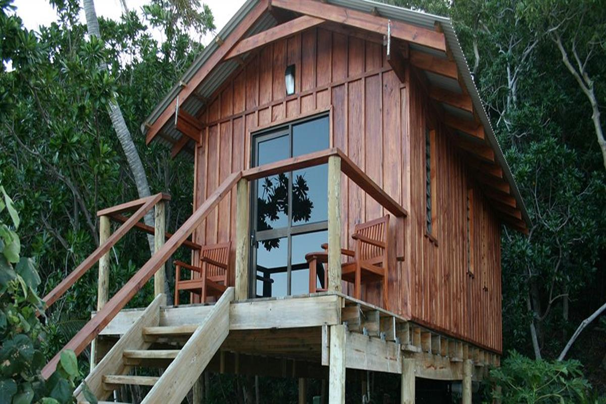 Mantaray Island Resort – Jungle Bure