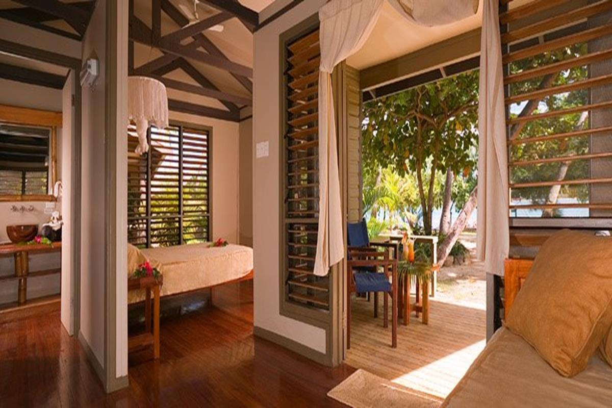 Nanuya Island Resort – Deluxe Villa