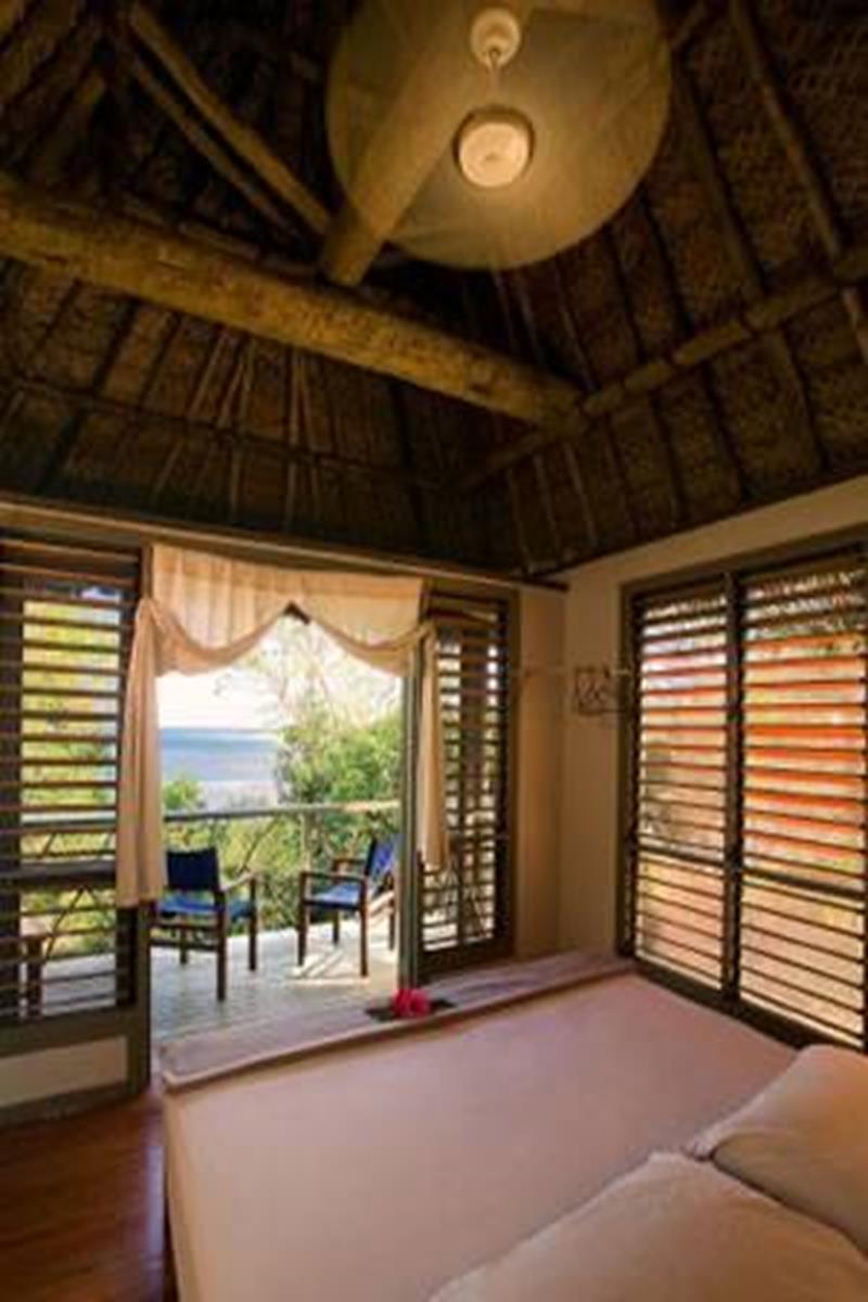 Nanuya Island Resort – Treehouse Bure