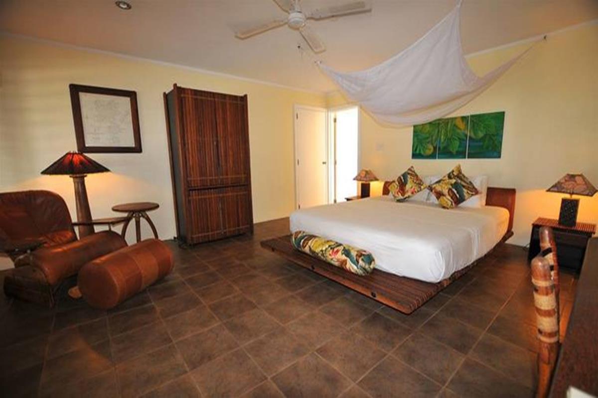 Octopus Resort – Poppy's Luxury Lodge