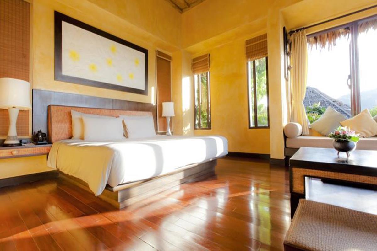 Phi Phi Island Village Beach Resort – Hillside Pool Villa
