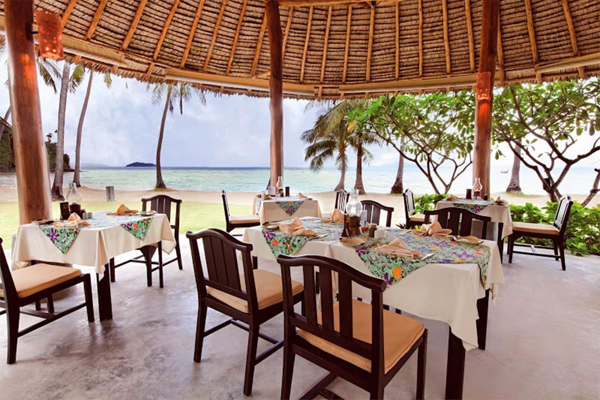 Phi Phi Island Village Beach Resort – Restauracja