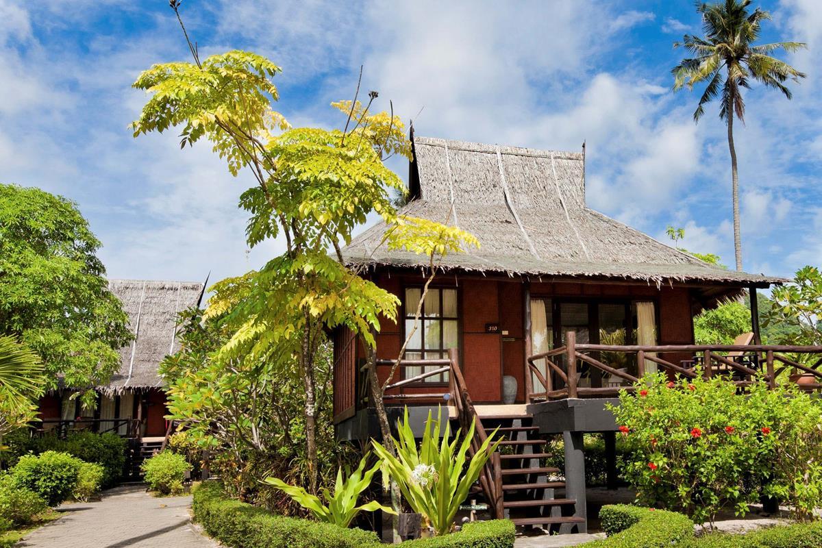 Phi Phi Island Village Beach Resort – Superior Bungalow