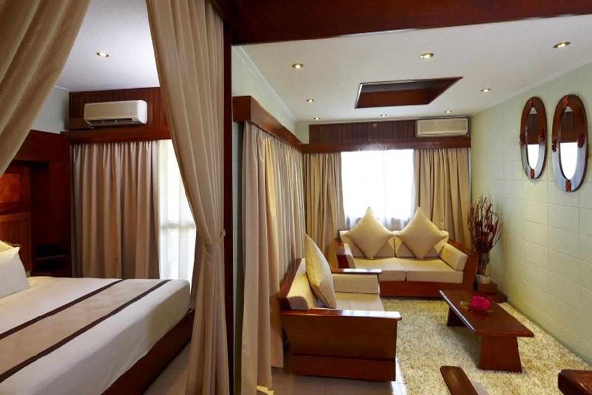 Raffles Gateway – Pokój Suite
