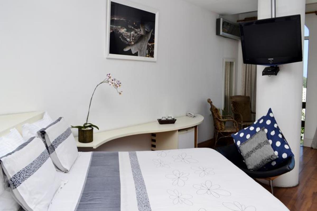 The Villa – Deluxe Suite with Spa Bath
