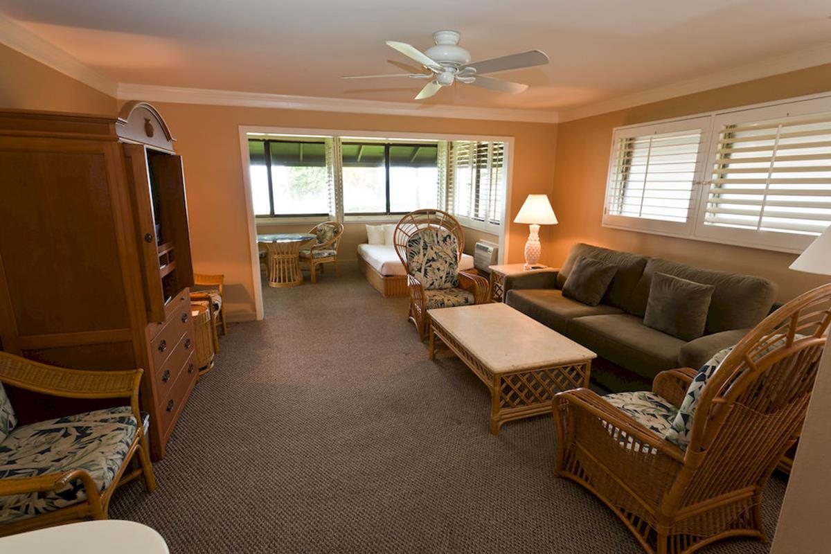Royal Lahaina Resort – One Bedroom Cottage