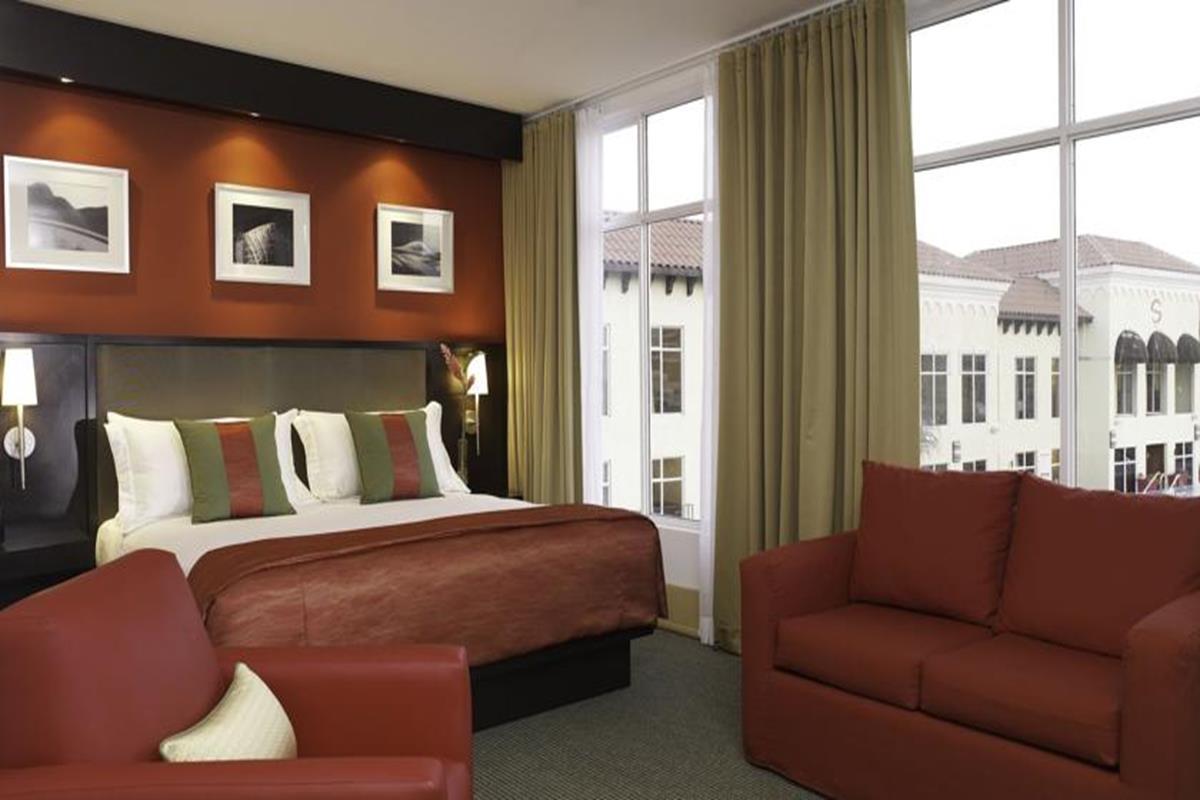 Spanish Court Hotel – Pokój