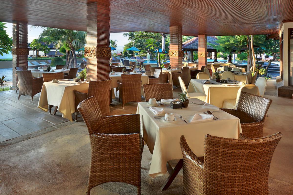 Villa Ombak – Restauracja
