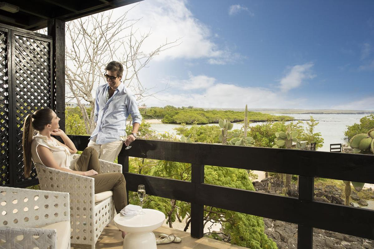 Finch Bay Eco Hotel – Taras