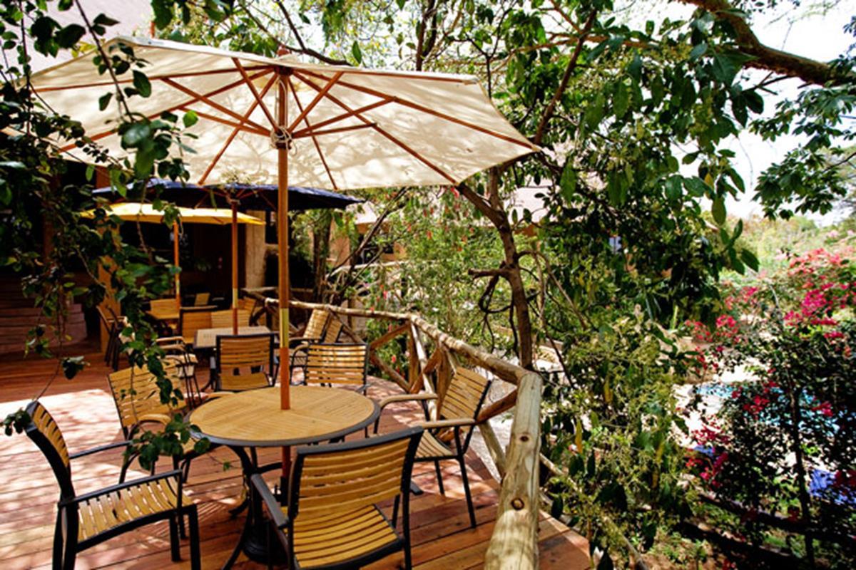 Mara Sopa Lodge – Patio