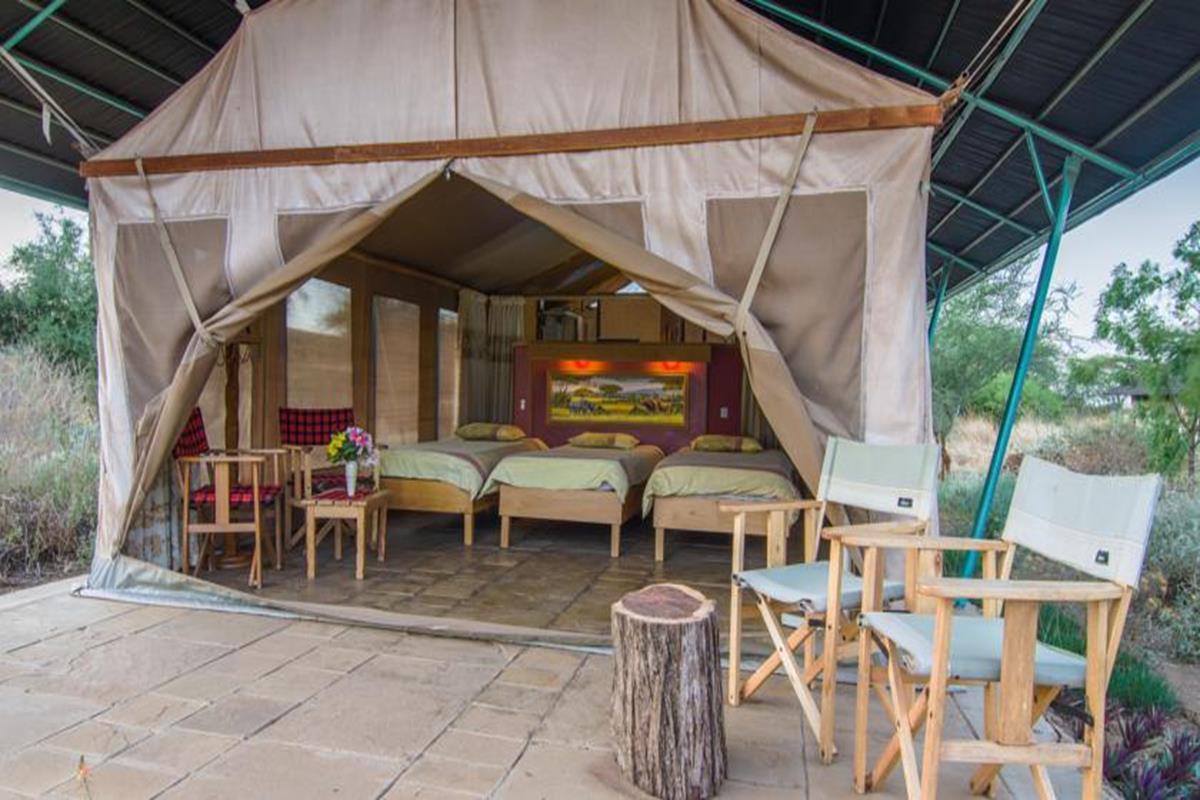 Sentrim Amboseli Lodge – Pokój trzyosobowy z widokiem na góry