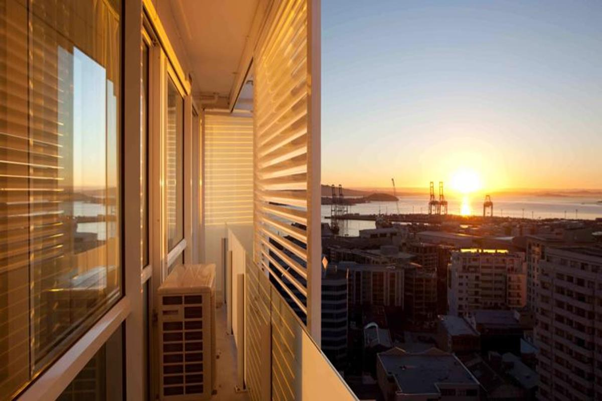 The Quadrant Hotel & Suites – Balkon