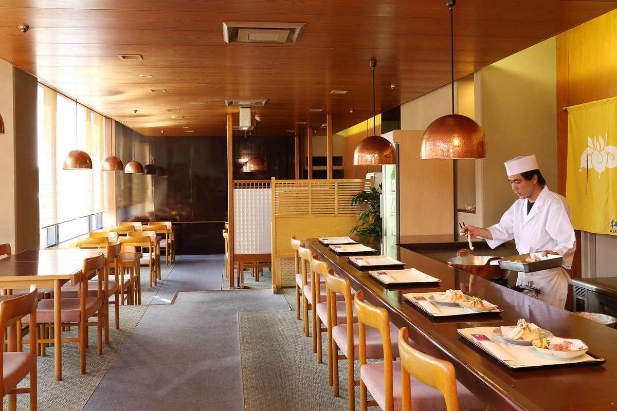 Miyako Hotel – Restauracja Kakitsubata