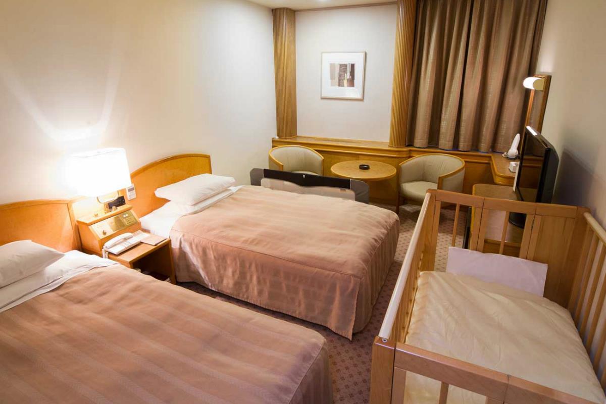 Shiba Park Hotel – Pokój Dwuosobowy z dostawką dla dziecka