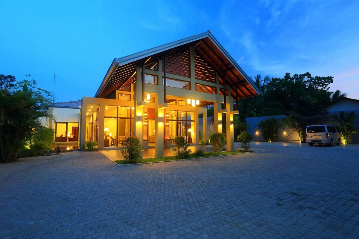 Chandrika Hotel – Lobby