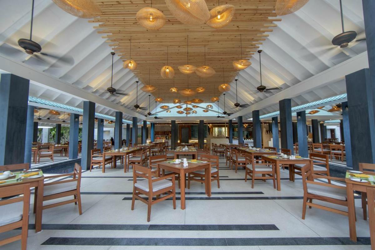 Furaveri Island Resort & Spa – Restauracja