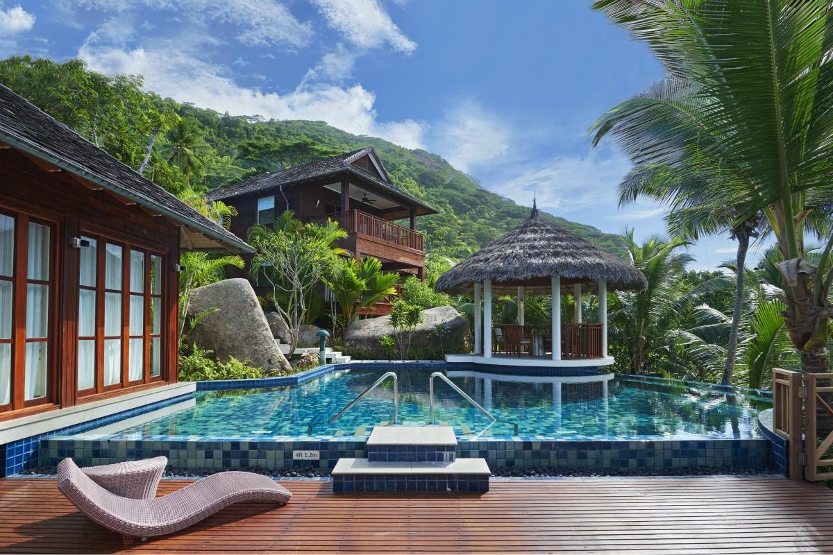 Hilton Labriz – Silhouette Estate
