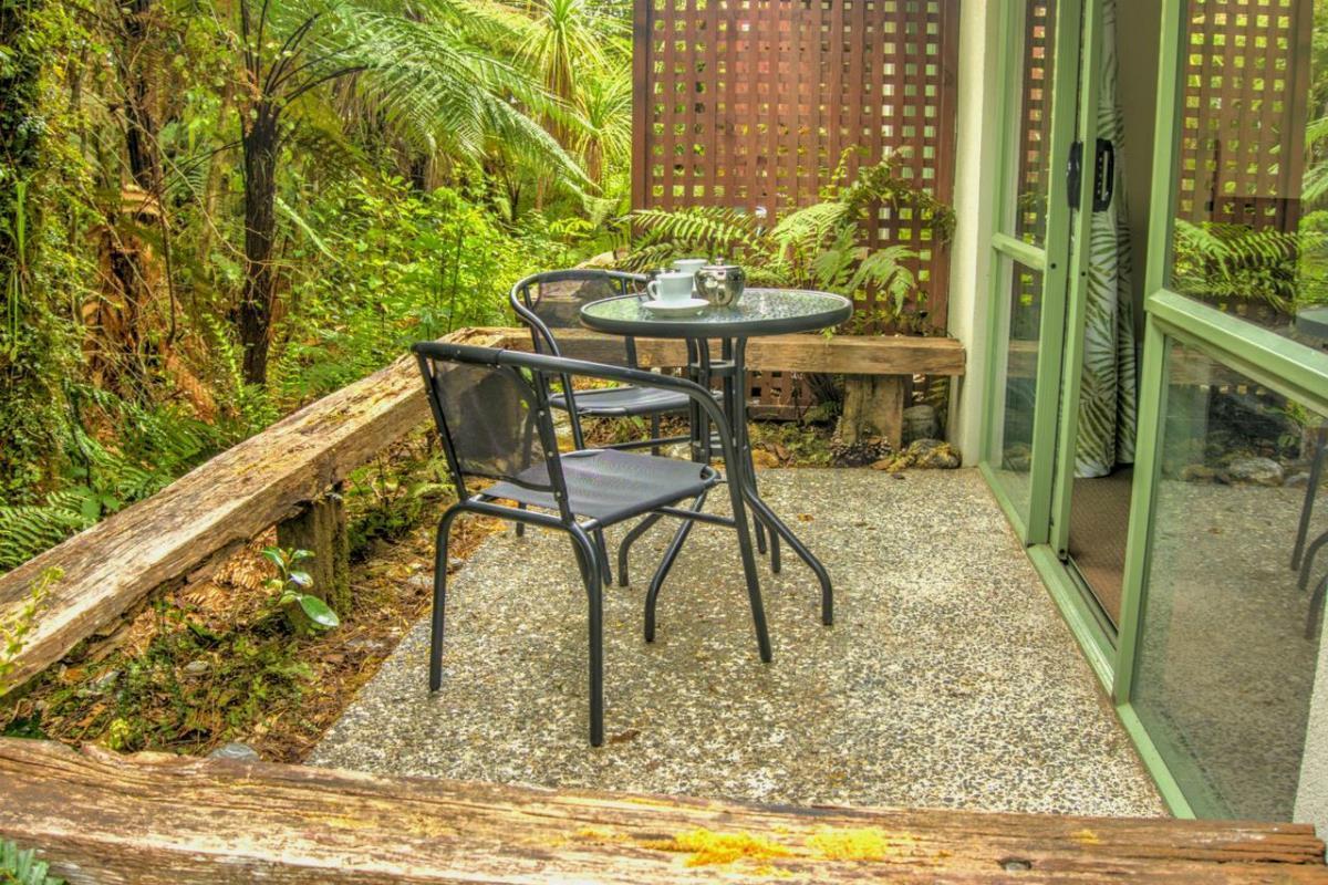 Punga Grove – Balkon