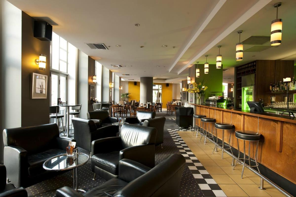 Scenic Hotel Auckland – Bar