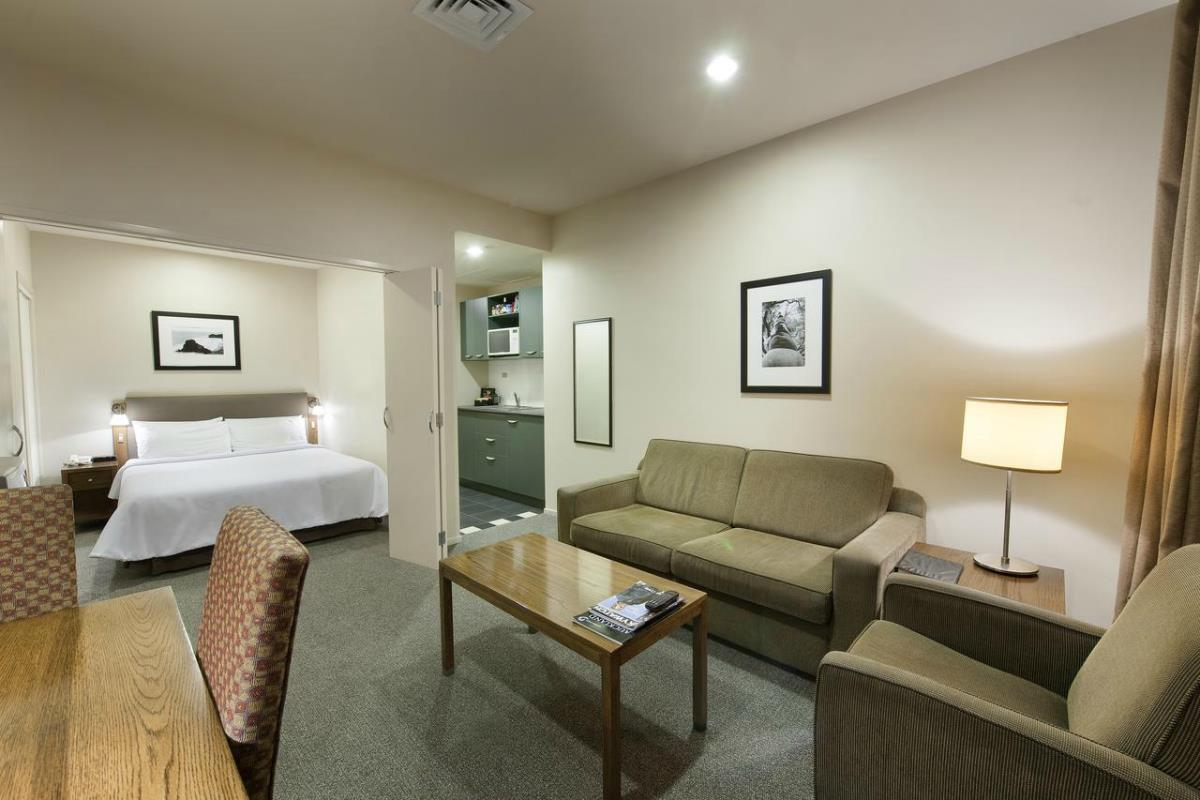 Scenic Hotel Auckland – Standard Studio