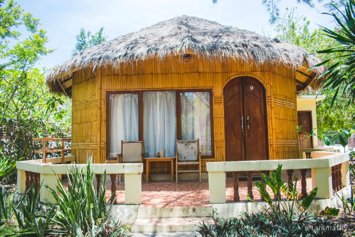 Bara Beach Bungalows – Deluxe Bungalow