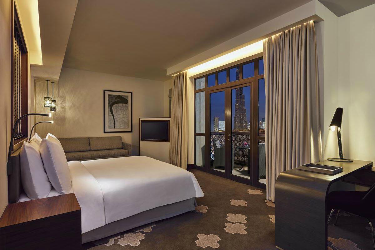 Manzil Downtown – Deluxe Burj Suite
