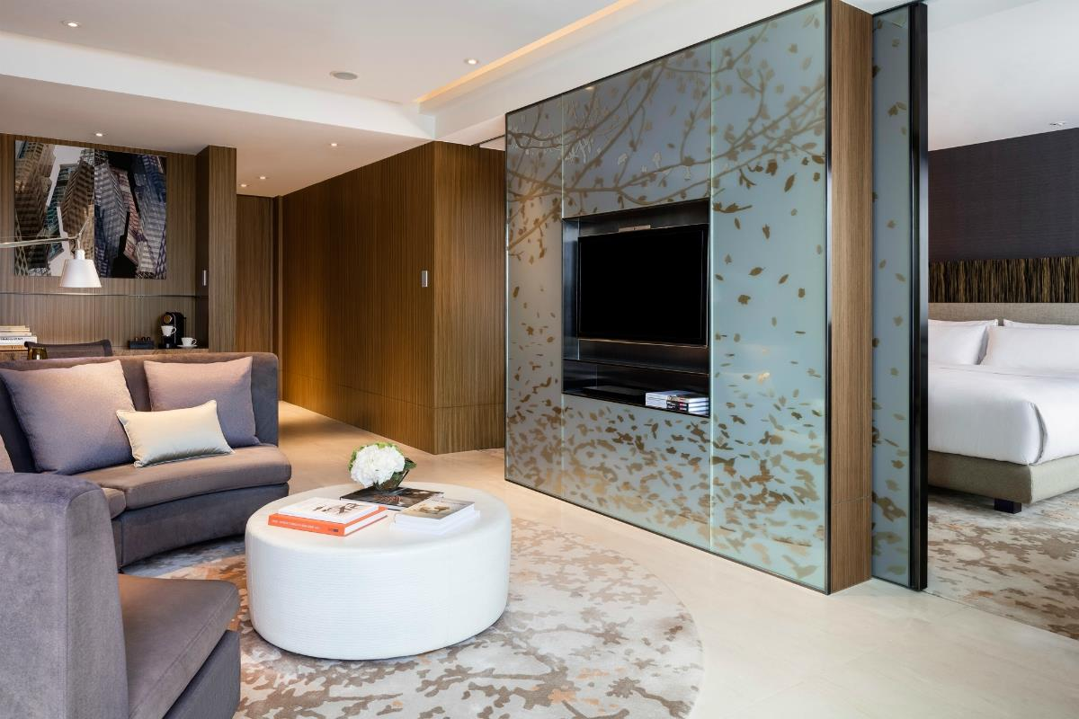 Icon Hotel – CLUB 65 Suite