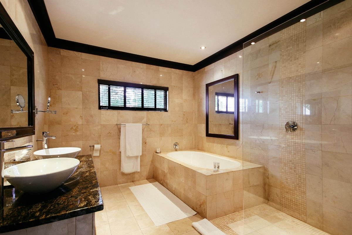 Old Traders Lodge – Superior Suite
