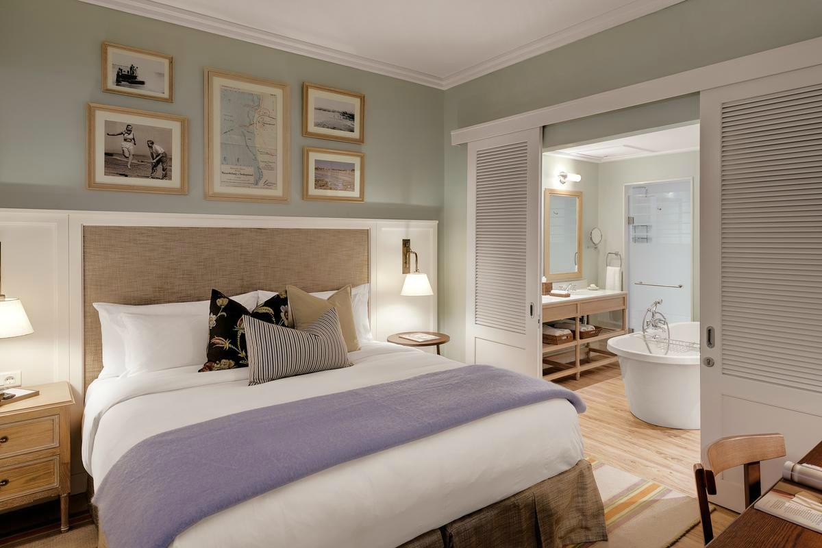 Strand Hotel – Luxury Suite