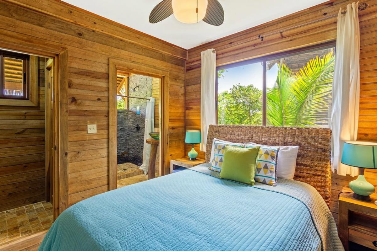 Red Frog Beach Island Resort – Jungle Lodge