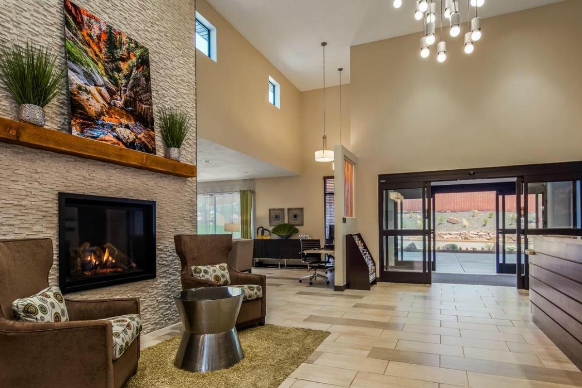 Best Western Plus Zion Canyon Inn – Lobby