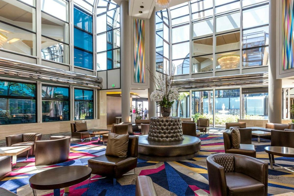 Hilton Los Angeles-Universal City – Lobby