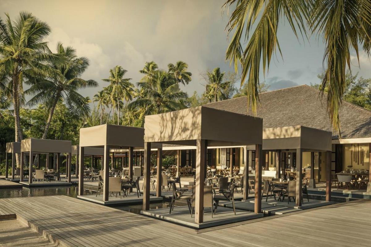 Four Seasons Desroches – Restauracja The Claudine