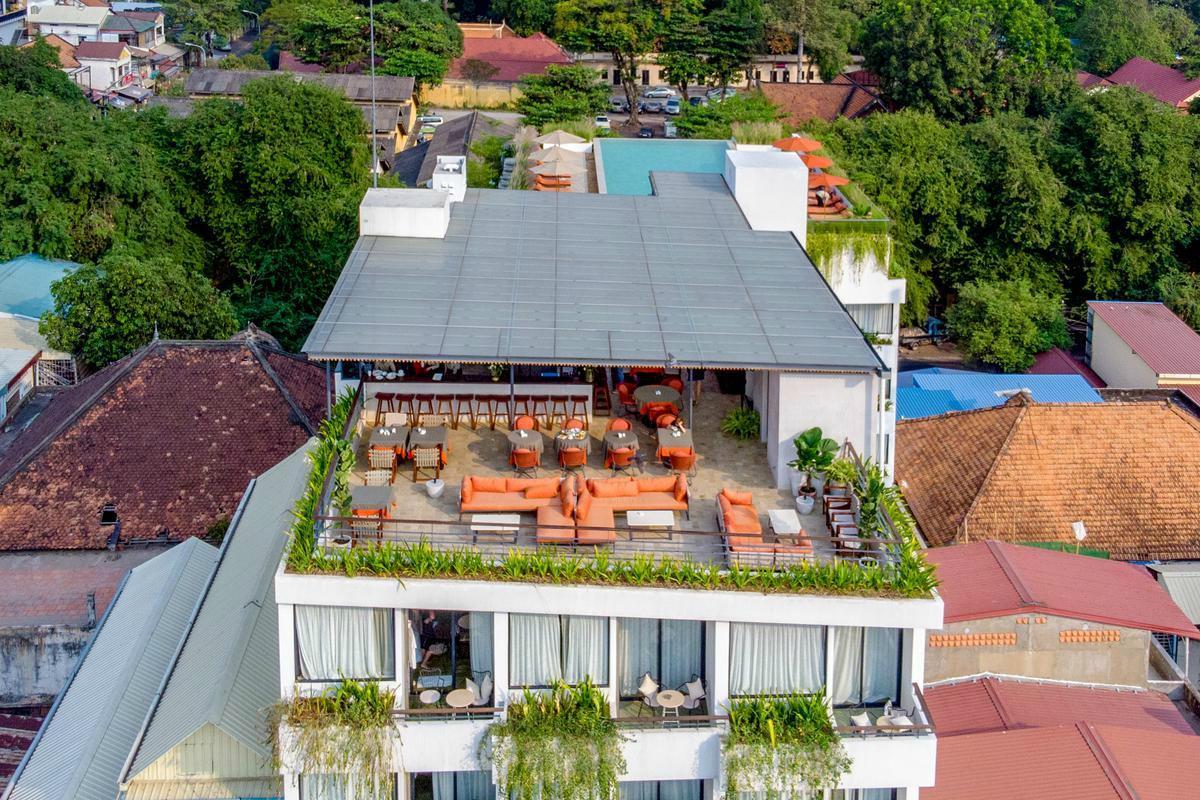 Penh House and Jungle – Widok