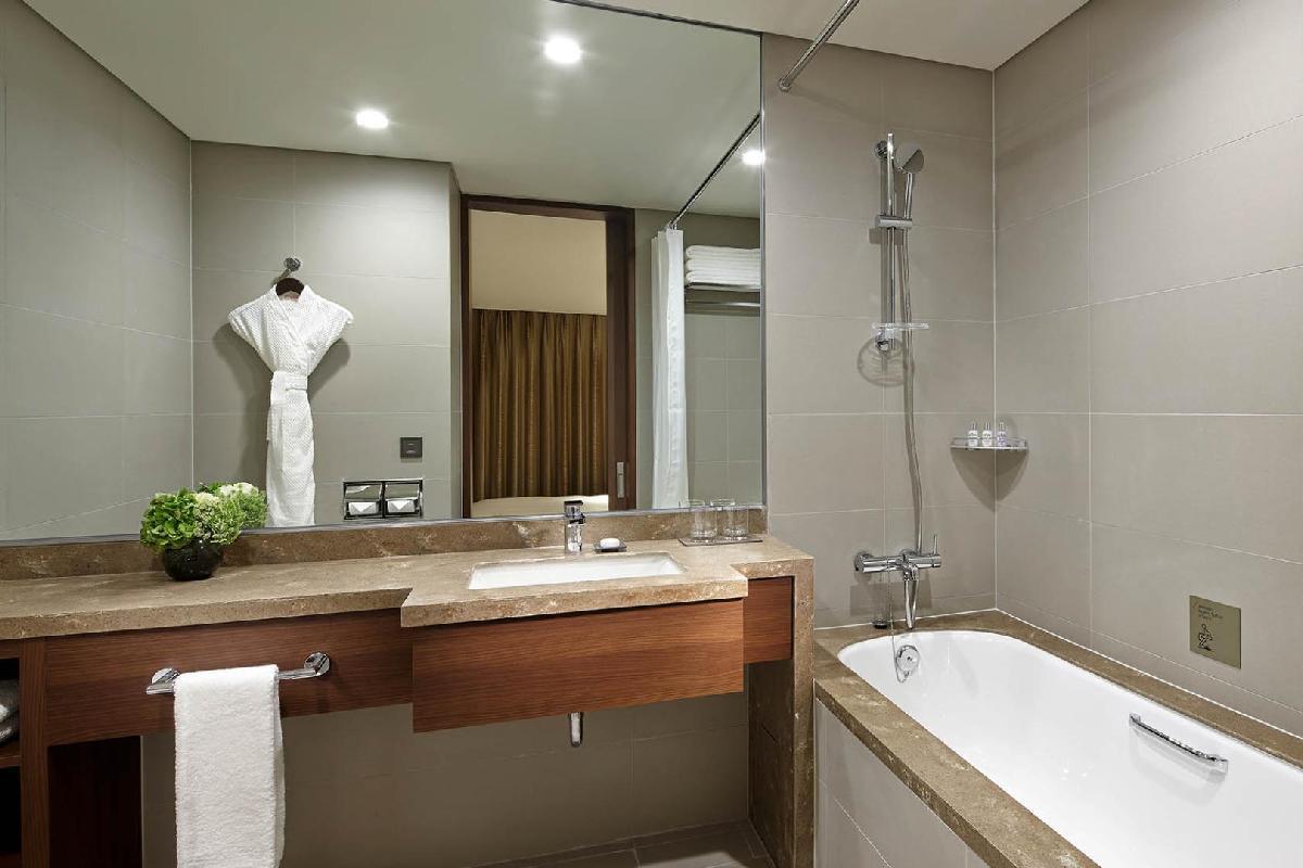 Hotel Lotte Myeongdong – Łazienka w pokoju typu Superior