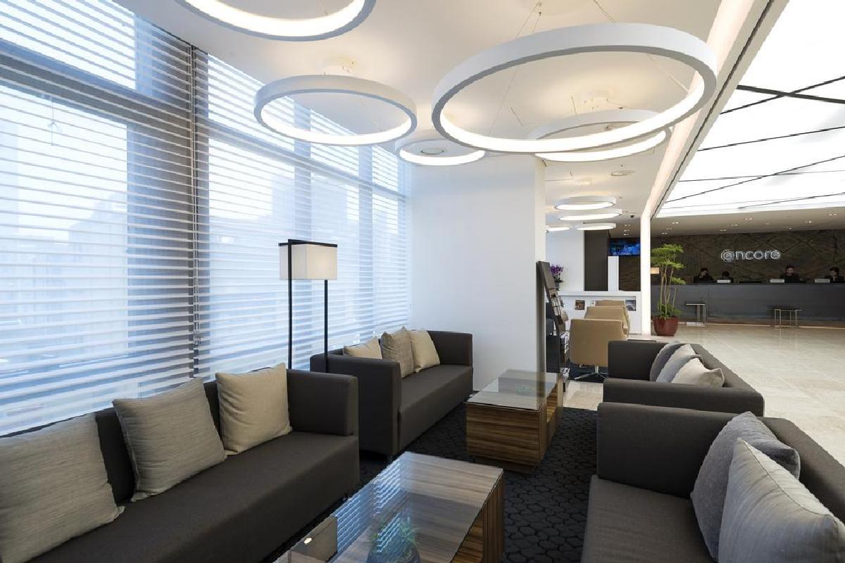 Hotel Ramada Encore – Lobby
