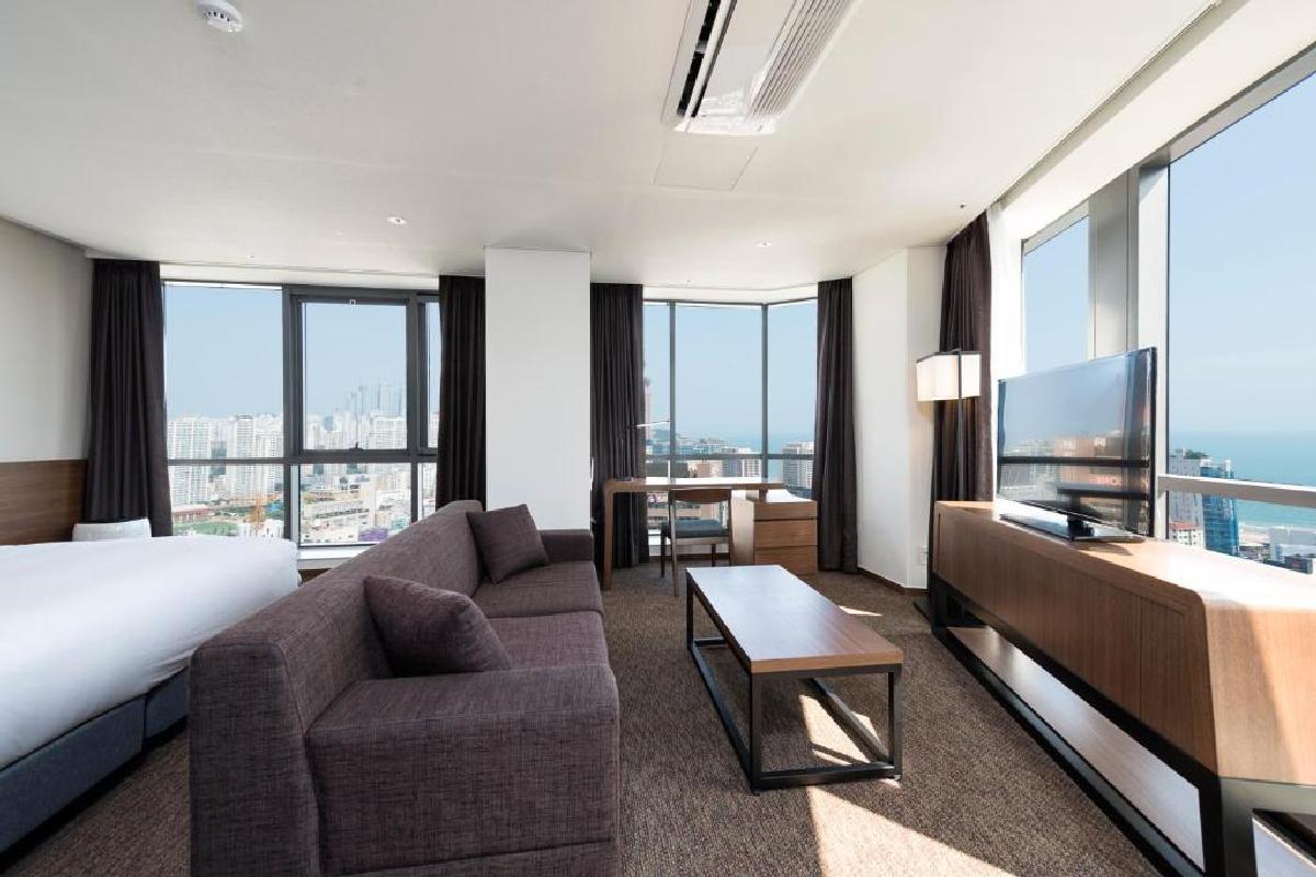 Hotel Ramada Encore – Narożny Apartament