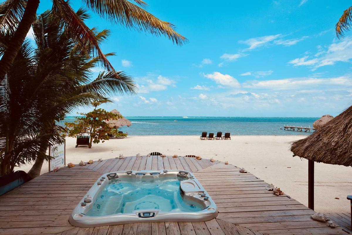 Xanadu Island Resort – Jacuzzi
