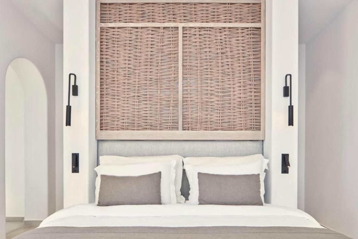 Canaves Oia Epitome – Deluxe Suite with Plunge Pool