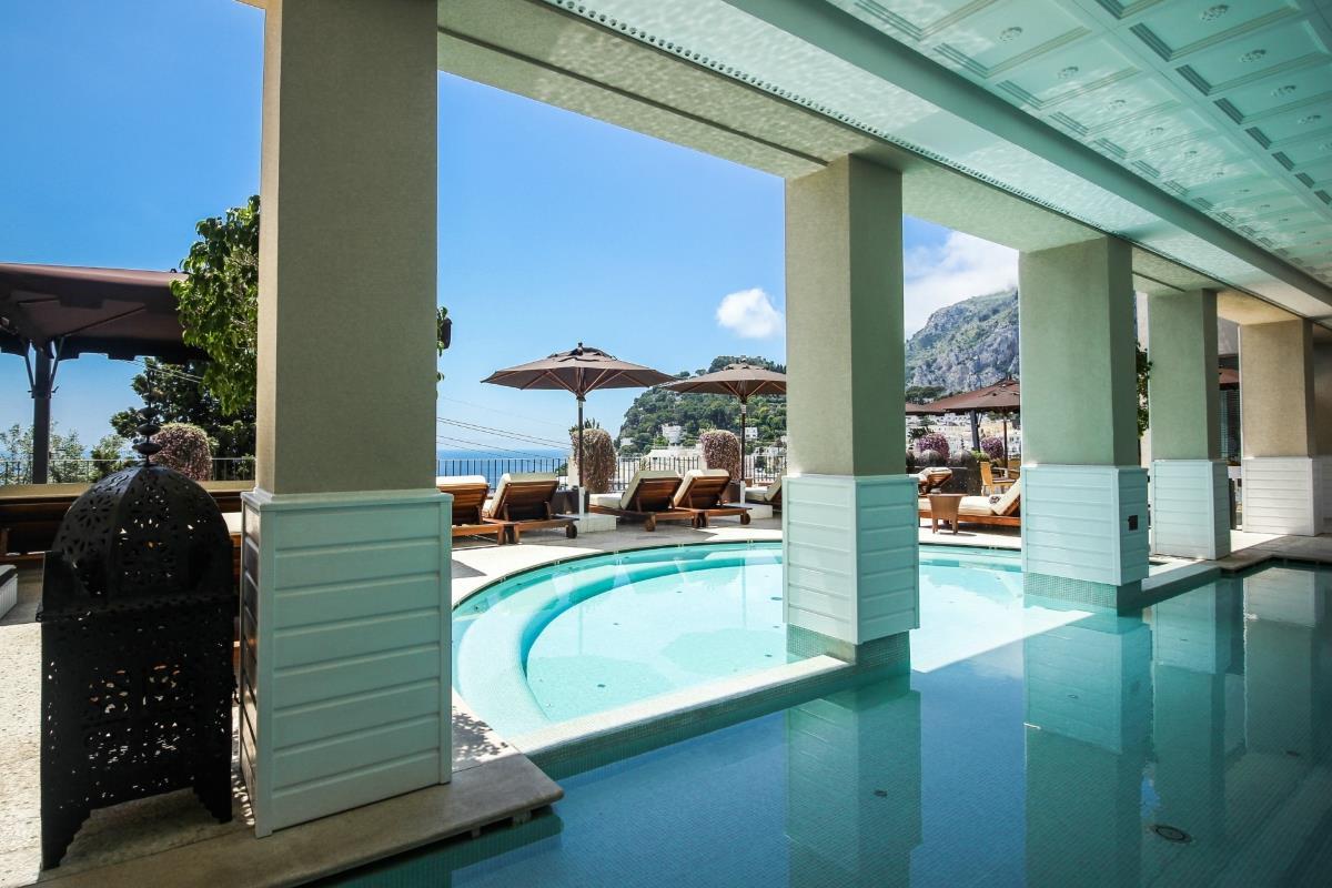Capri Tiberio Palace – Basen